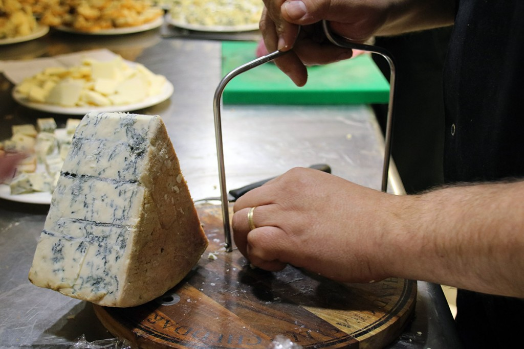 Moments-urbanova-Alicante-tabla-quesos
