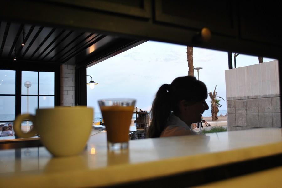 Desayuna frente al mar