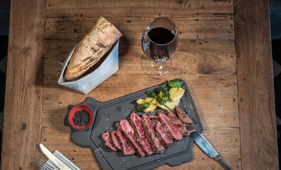 ¿Qué tipos de vinos maridan mejor con carne?